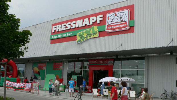 In Ulm wird aus dem Fressnapf XXL, hier bei der Eröffnung 2006, ein Kölle Zoo.