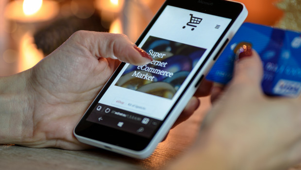 Immer mehr Menschen informieren sich vor ihrem Einkauf online.