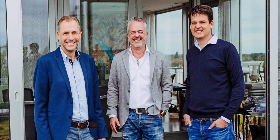Freuen sich über das Rekord-Halbjahr bei Fressnapf (von links): Geschäftsführer Dr. Hans-Jörg Gidlewitz, Unternehmensinhaber Torsten Toeller und Geschäftsführer Dr. Johannes Steegmann.