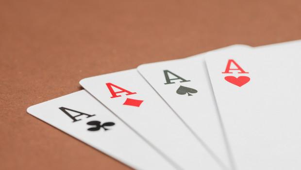 Wer hat am Ende die besten Karten? Angesichts verschiedener Übernahmeangebote ist noch nicht klar, wer künftig Zooplus übernehmen wird.