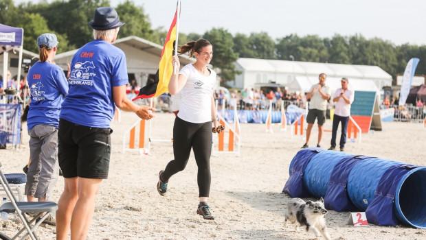 Lizandra Ströhle errang unter anderem den Titel des FCI Agility Team European Open Champions small im holländischen Arnheim.