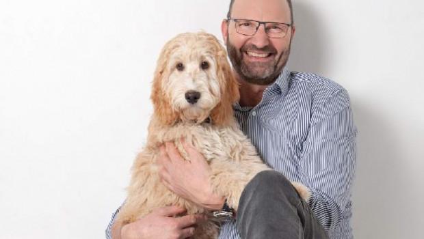 Hundefreund Jürgen Grohs setzt in seinem Aquatop-Markt auf das Lebendtier mit Erlebnisfaktor.