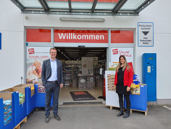 Zur Eröffnung in Lennestadt gratulierte auch Bürgermeister Tobias Puspas.